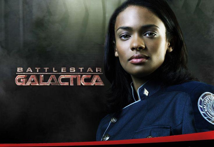 """Anastasia Dualla aka """"Dee"""" (Kandyse McClure) - Humaine - Lieutenante, officière des communications. Puis Commandante en second du Battlestar Pegasus"""