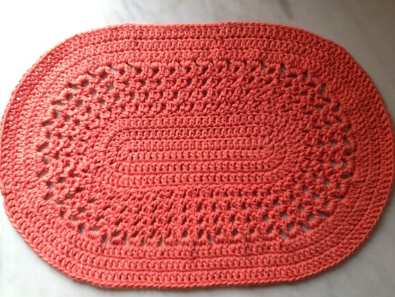Crochet placemats in tangerine