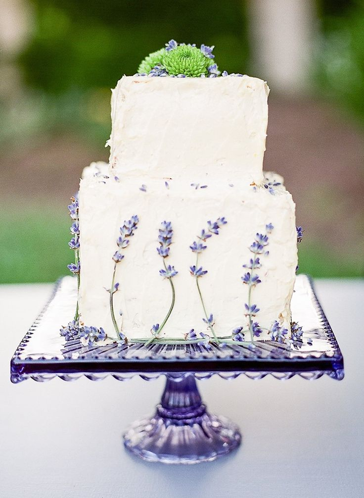 Sweet 1950s Inspired Wedding Ideas In Lavender Green