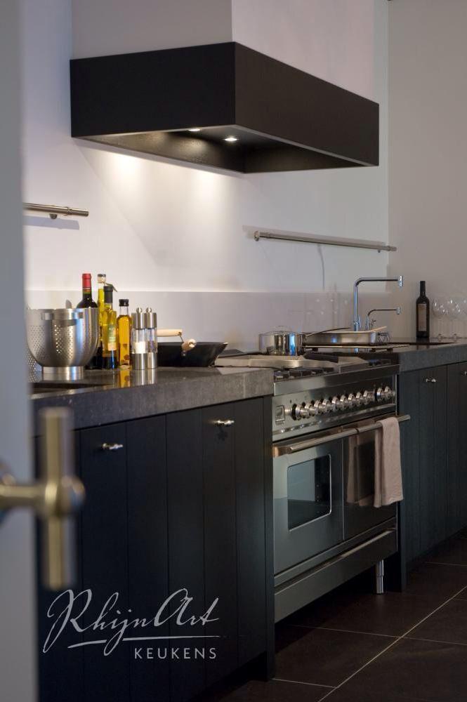 Zwarte keuken home inspirations pinterest - Eigentijdse houten keuken ...