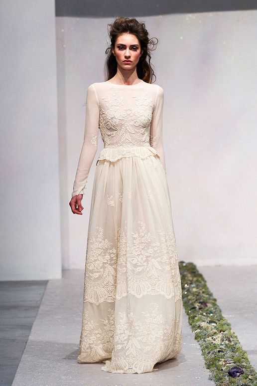 Long sleeved wedding dress  Luisa Beccaria