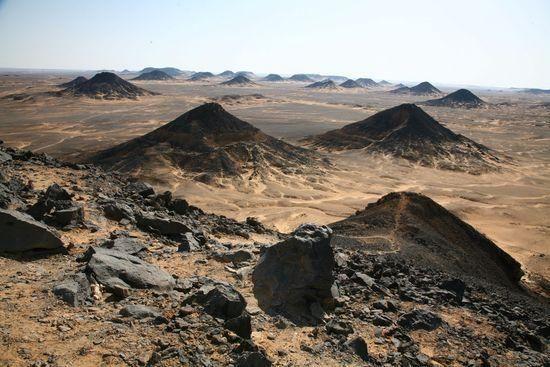 20 Black desert, Cairo, Egypt