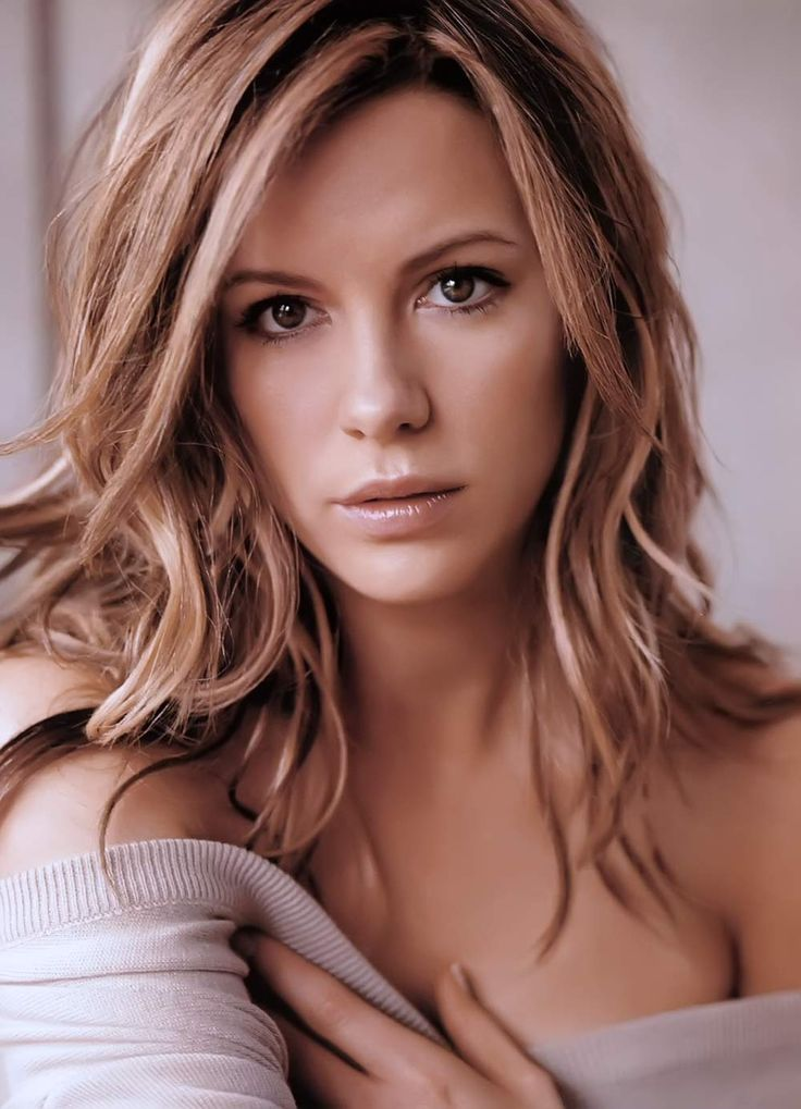 <3 kate beckinsale. so pretty. LOVE her hair colour here....Oh how I wish I could go blonde.
