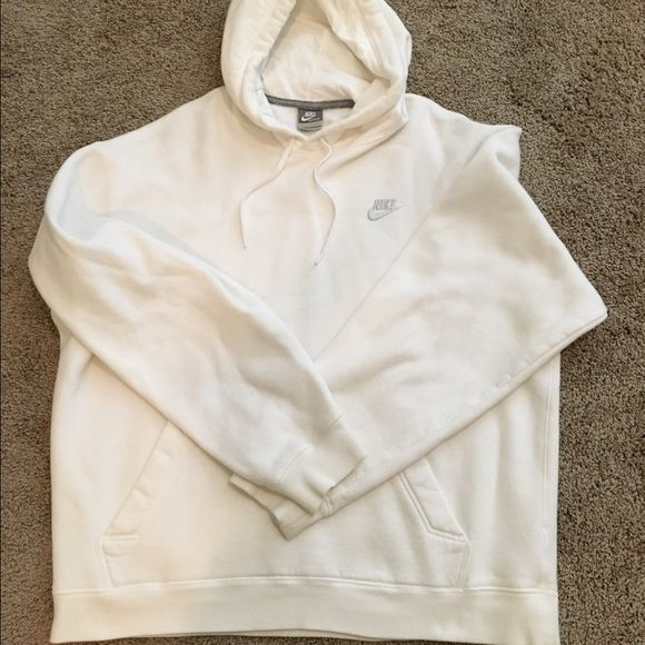 MEN'S Nike pullover hoodie in white MEN'S Nike pullover hoodie in white in Large Nike Sweaters