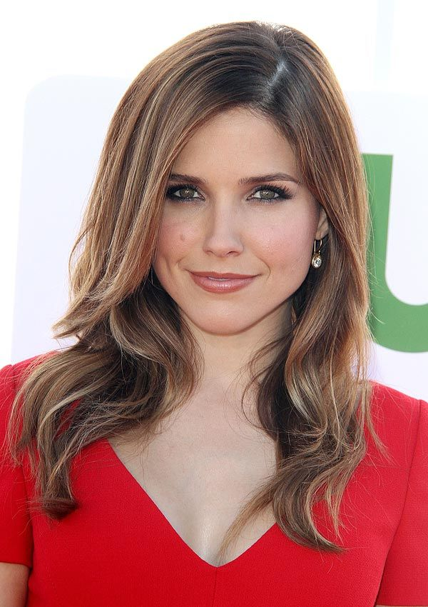 Sophia Bush's Smoldering Eye Drama: Get The Look...  To get Sophia's eye look, apply a black kajal eye liner like Stila Kajal Eye Liner in Onyx to your upper lids and the inside of the bottom lash lines. This eye liner is specially made to be safe for the sensitive inner rims of your eyes. The formula glides on easily and doesn't drag across the fragile skin around your eye.