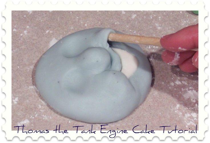 Thomas the Tank Engine Cake Tutorial