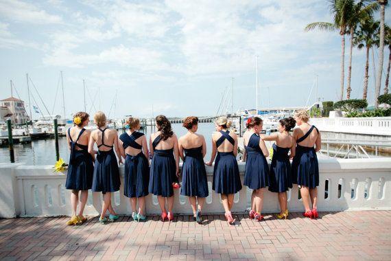Robe de demoiselle d'honneur courte bleu marine par thejerseymaid