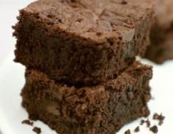 Black Bean Brownies: 1 can black beans, 4 oz unsweetened cocoa, 1 T milk free/soy free margarine, 6 egg whites, 1.5 c sugar, 3 T instant oats, 2 T instant espresso coffee powder. Preheat oven to 350. Place beans in a colander & rinse thoroughly; set aside. Place cocoa & margarine in bowl. Microwave for 60-90 secs, stir til smooth. Add beans & 2 egg whites. Blend til smooth. Combine the bean puree, sugar, oats, espresso powder, egg whites & cocoa. Pour mixture in coated pan. Bake for 30-35…