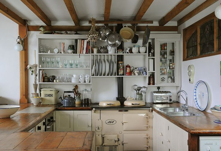 Farm Kitchen. I love the old fashioned simplicity of this kitchen.