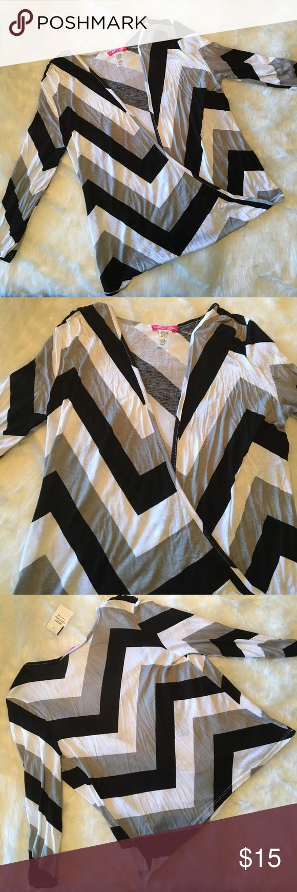 Black gray and white chevron drape top Three quarter length sleeve Blouse with drape v neck front. Body Central Tops Blouses