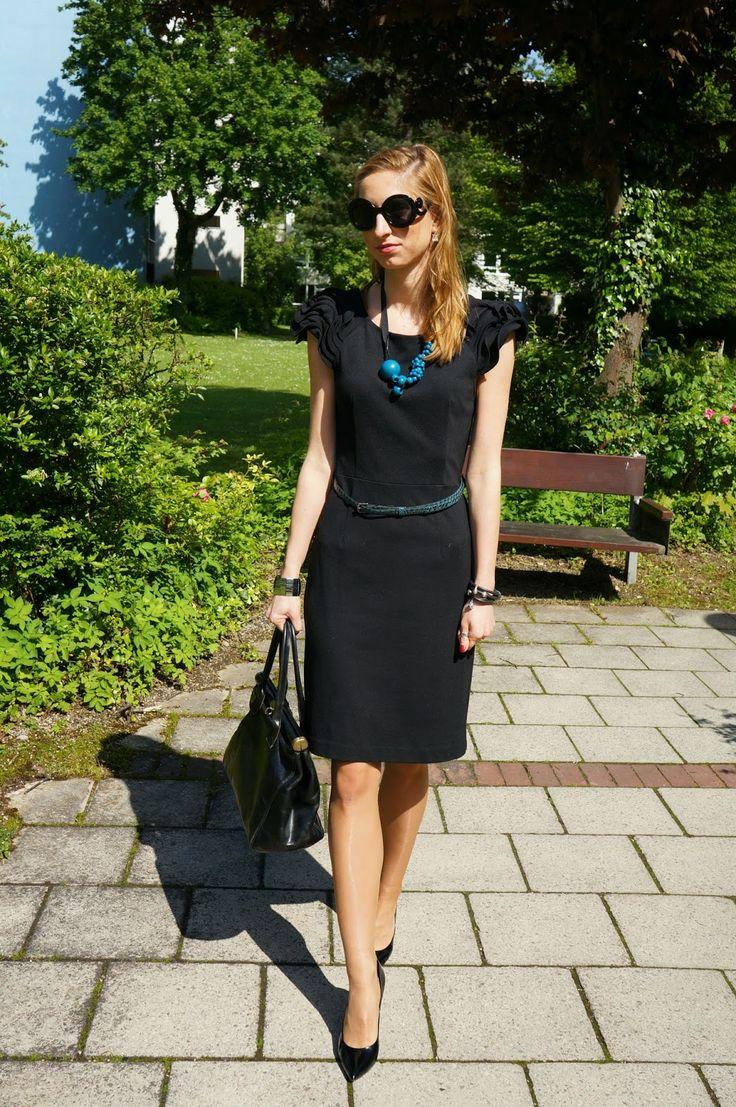 SimpleThings by J. OK #tan #pantyhose #blogger