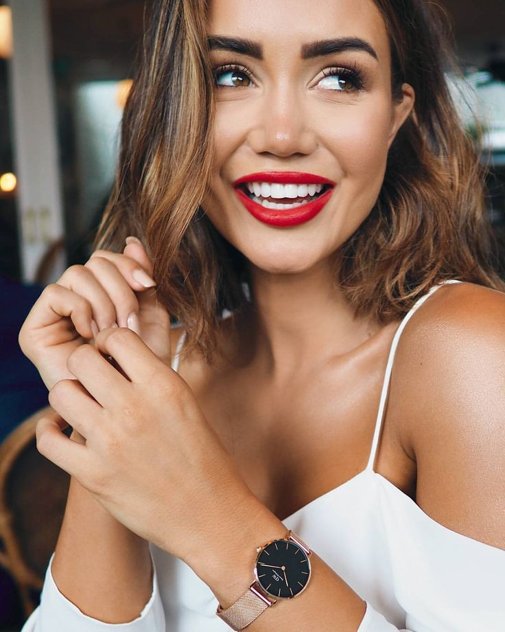 """33.7k Likes, 217 Comments - Pia Muehlenbeck (@piamuehlenbeck) on Instagram: """"Date night in white, red and my new #DWClassicPetite rose gold watch. My go-to combo for elegance.…"""""""