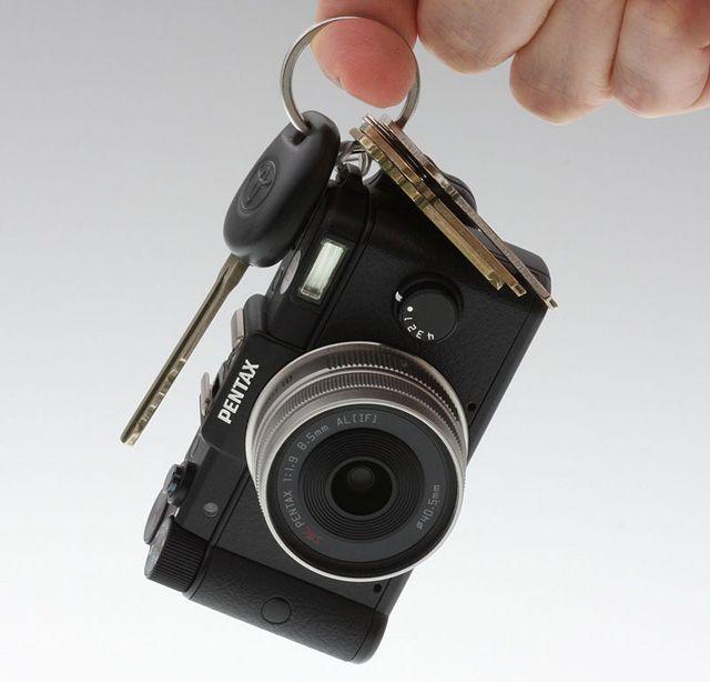Smallest interchangeable lens dslr. Want.