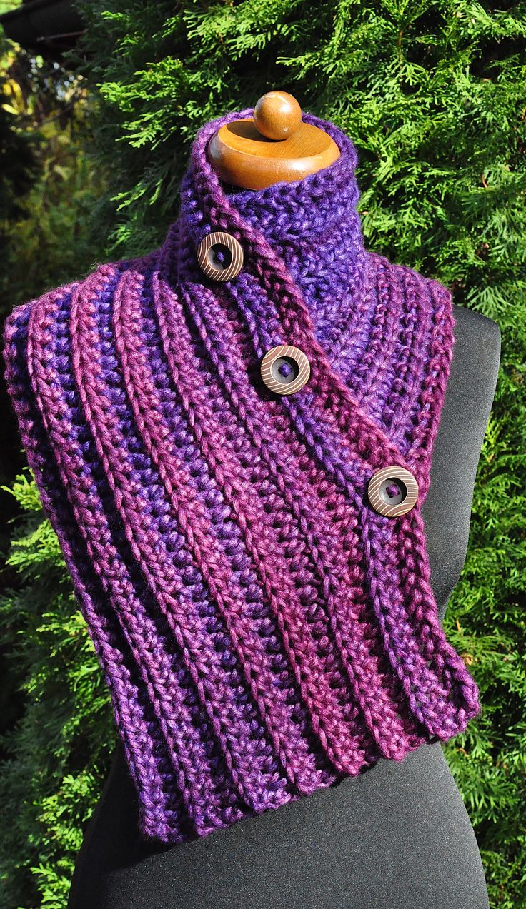 Handmade crochet scarf, Purple winter scarf, Neck warmer with buttons, Chunky Womens scarf, Chunky collar, Christmas gift