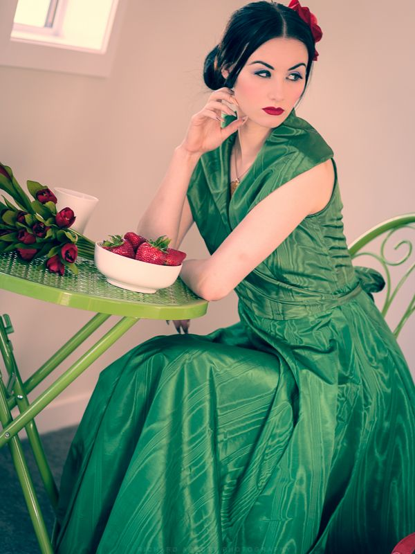 Green taffeta designer gown, size 8-10. Model Skylar Leigh