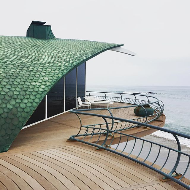 Wave house by Harry Gesner #harrygesnerarchitect