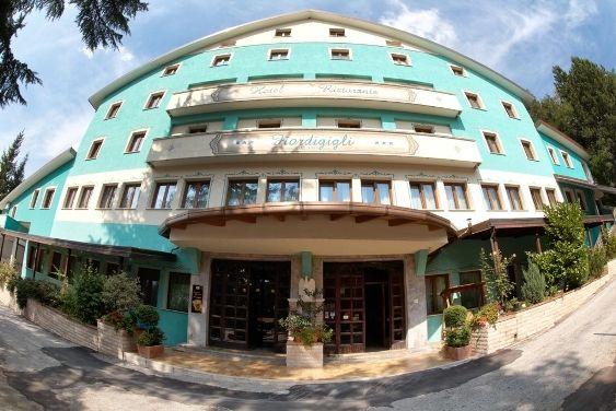 Hotel Fiordigigli - Assergi (L'Aquila) Gran Sasso