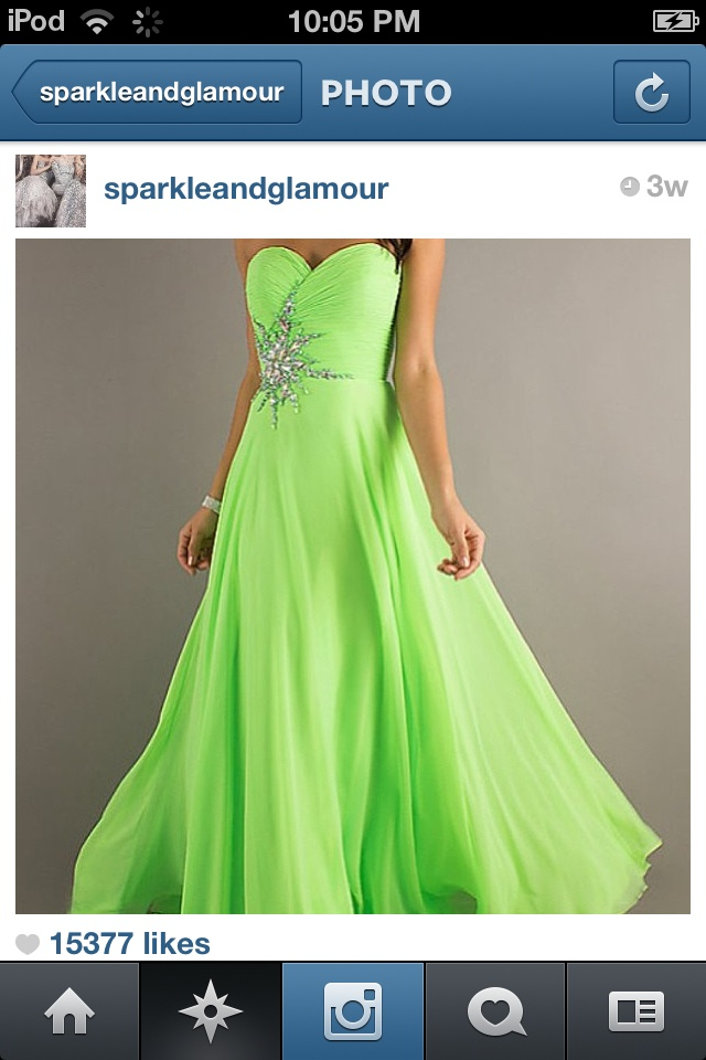 Oh my.... neon green dress....? =PERFECT