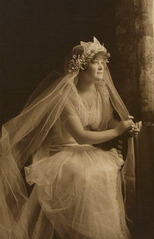 +~+~ Vintage Photograph ~+~+ Beautiful Bridal Portrait 1920