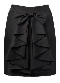 Bow  Ruffle Pencil Skirt, love!! Favorecedora para la mayoría de las mujeres por su diseño tipo lápiz.  Cuida el ajuste a la cadera para que el diseño frontal del moño conserve la caída en diagonal.