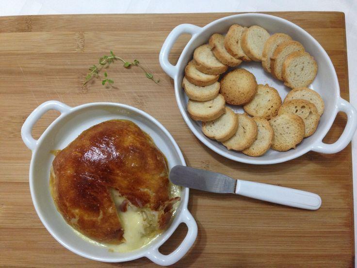 camembert assado, queijo assado, camembert com massa folhada, receita de queijo assado, queijo assado com massa folhada_9233