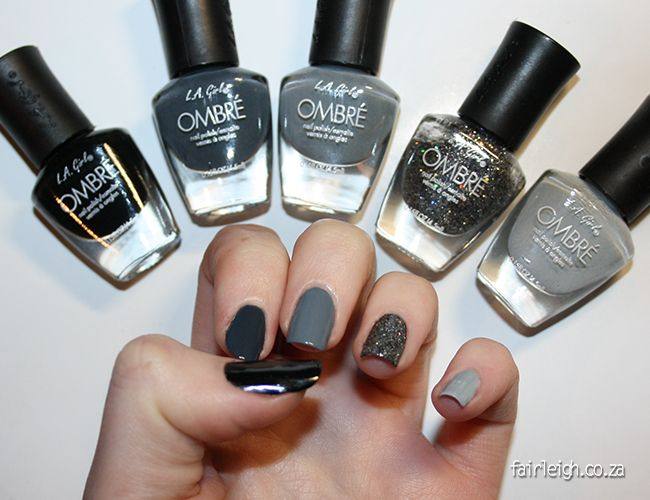 #MidWeekMani - Midnight Ombre - FairLeigh - The Girlier Side of a Geek