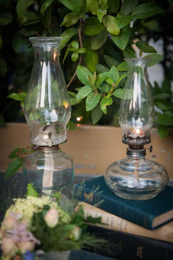 oil lamp centerpiece (no flame)