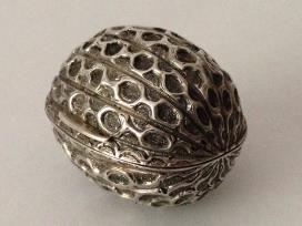 A Very RAre Victorian Naturalistic Silver Nutmeg Grater from Lafite Fine Silver