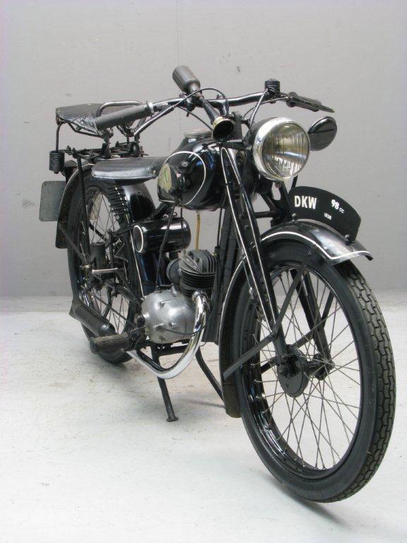 Afbeelding van http://www.yesterdays.nl/images/DKW-1938-RT-GtM-5.jpg.