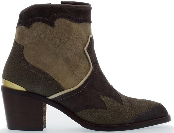 Mooie western inspired laarzen van Nubikk. Shop ze nu bij Shuz!  #outfit #dames #inspiratie #inspiration #outfitinspiration #ladies #women #cowboyboots #nubikk