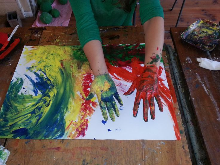 how to become an art therapist online