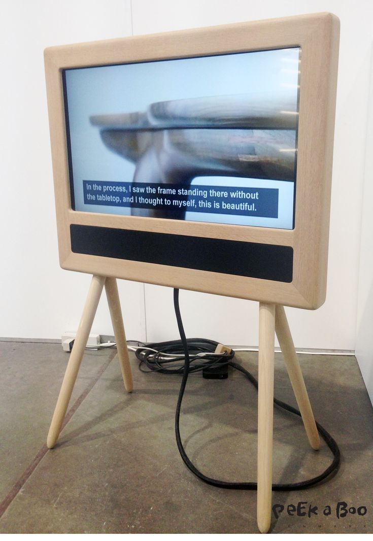 TV frame in wood, by Danish designer Ask Emil Skovgaard. Design Blog - DIY - Home Garden and Living inspiration - Peekaboo Design