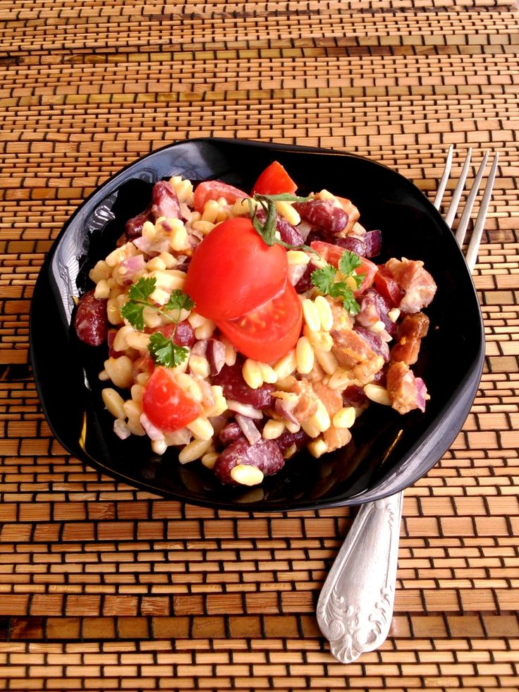 Tésztasaláta paradicsommal és babbal - Pasta salad with tomato and beans