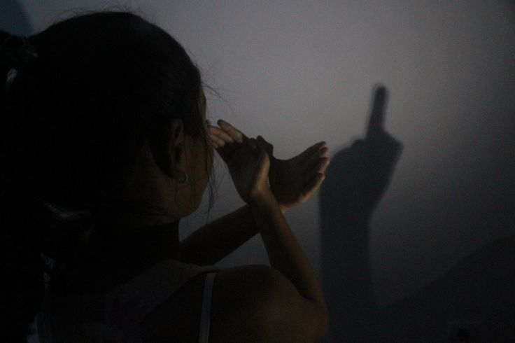 LA VIDA   Técnica: enfoque selectivo a la sombra y una abertura alta de diafragma porque el lugar era oscuro
