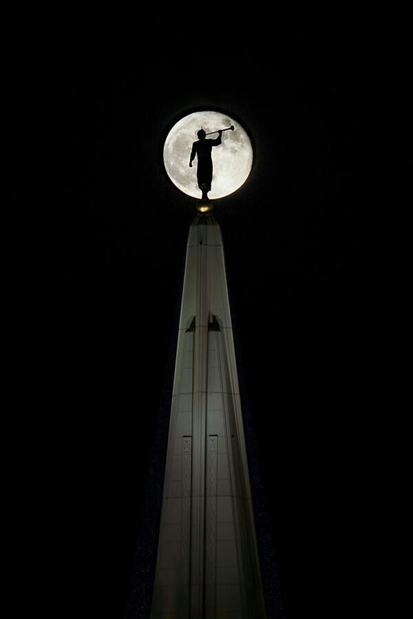 This is an amazing photo of captian moroni.