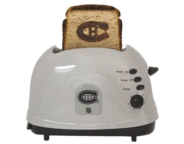 Montreal Canadiens toaster, Pangea at Future Shop $39.99 / Grille-pain des Canadiens de Montréal, Pangea chez Future Shop 39,99 $
