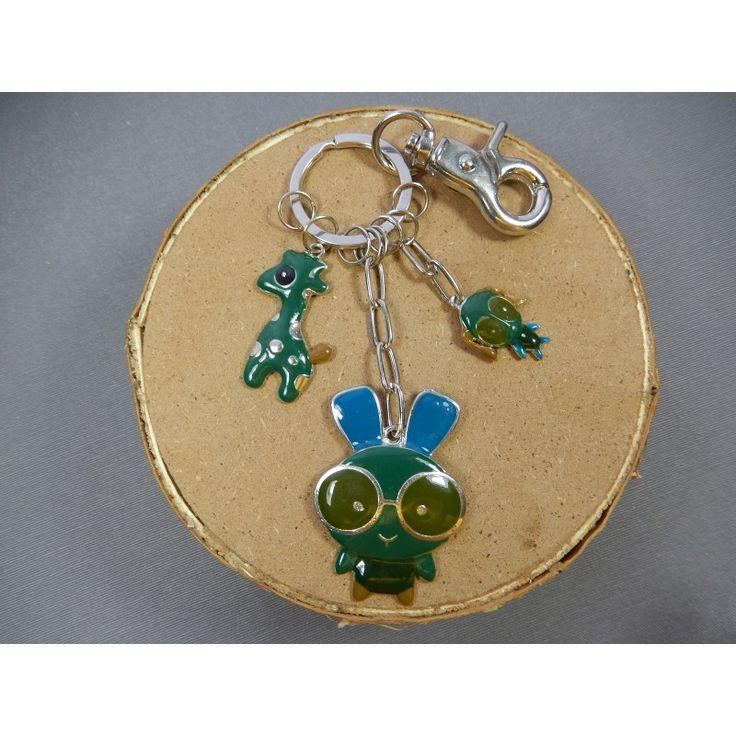"""Porte clés-"""" Funky lapin."""".  Sans nickel.  Longueur: 15.5 cm attache incluse."""