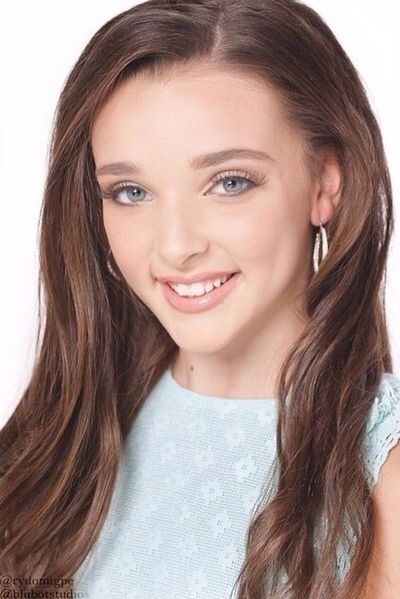 Hi everyone! My name is Kendall K Vertes and I'm on Dance Moms! My mom's name is Jill, and I am one of the four dancers that still dance at the ALDC. I came to Dance Moms in season 2.