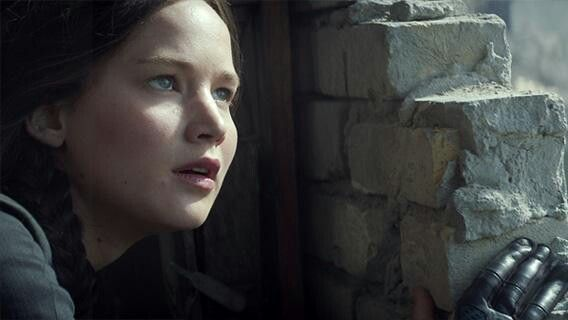 NEW stills of Jennifer Lawrence as Katniss Everdeen in Mockingjay Part 1!