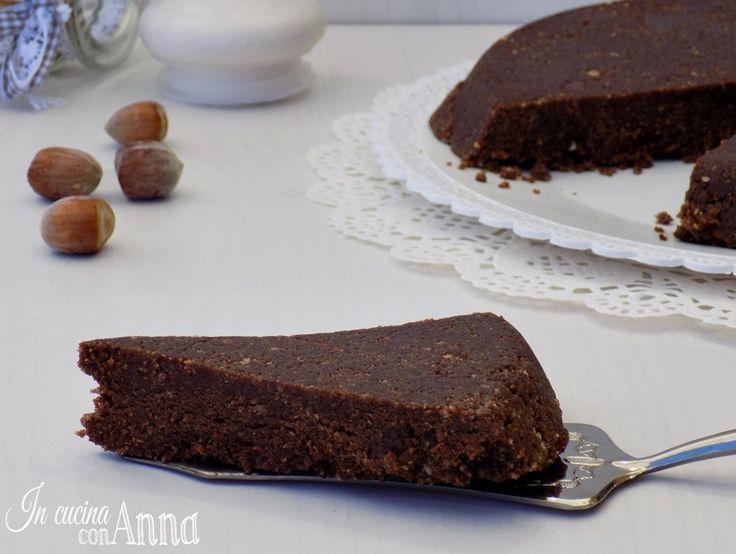 Per questa torta nocciolina bastano pochissimi ingredienti e pochissimo tempo…