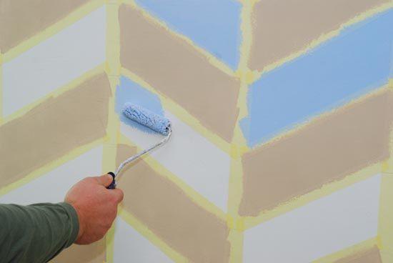 Maľovanie izby - s páskami vyčaríte imitáciu tapety - Dielňa prakticky