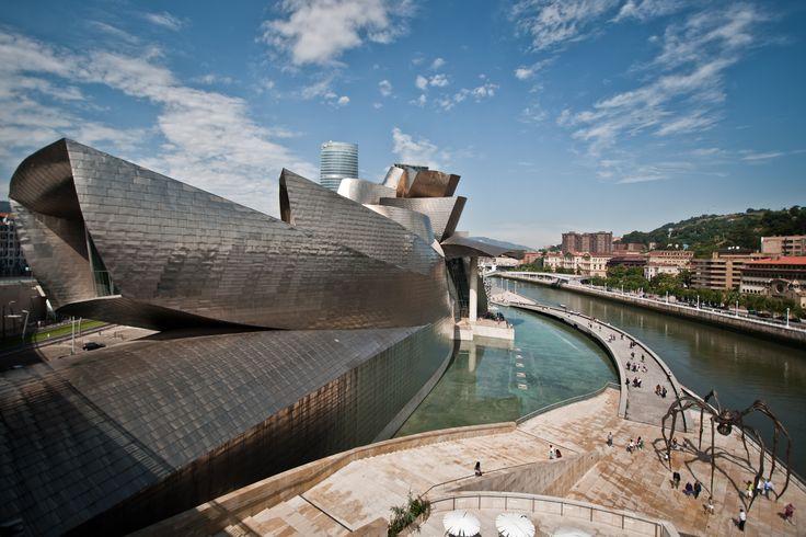 La revista CondéNast Traveler acaba de publicar la lista de los 15 museos más bonitos del mundo... ¡Y el primero está en España! Porque result...