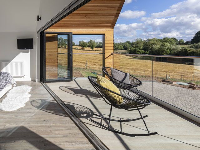 Grand Designs Tv House 5 Budget Friendly Design Ideas From A Farmhouse Grand Designs Magazine Grand Designs Houses Modern Barn House Barn Style House
