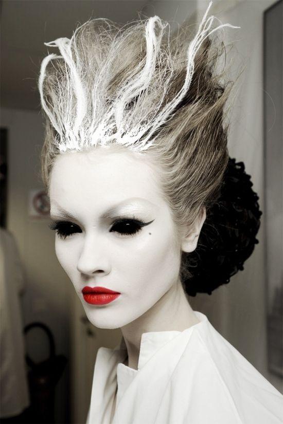 idée pour un maquillage d`Halloween d'une sorcière