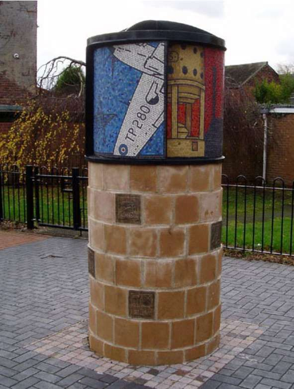 Hucknall Gateway Mosaic Column by mosaic artist Gary Drostle and Campbell Design & Engineering ©2007