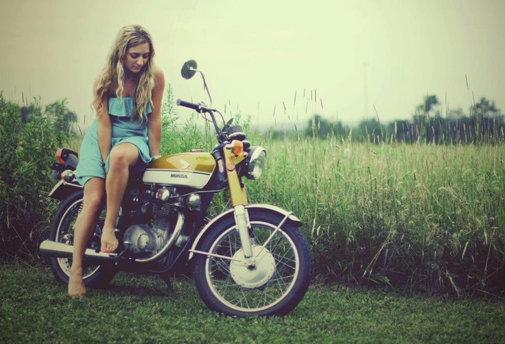 Honda (& girl): Old Schools, Dreams, Girls Generation, Motorcycles Girls, Old Bike, Girls Motorcycles, Honda Motorcycles, Photo, Cafe Racers