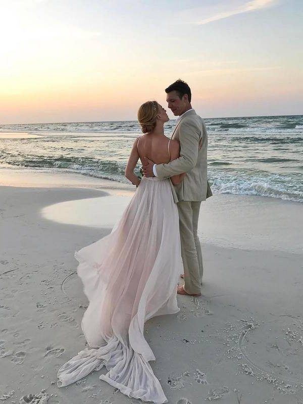 20 Of The Prettiest Beach Wedding Photo Ideas Beach Wedding