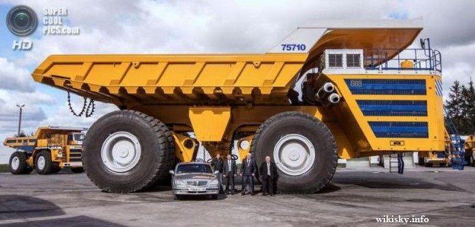 Hybrid-Diesel Earthmover.,