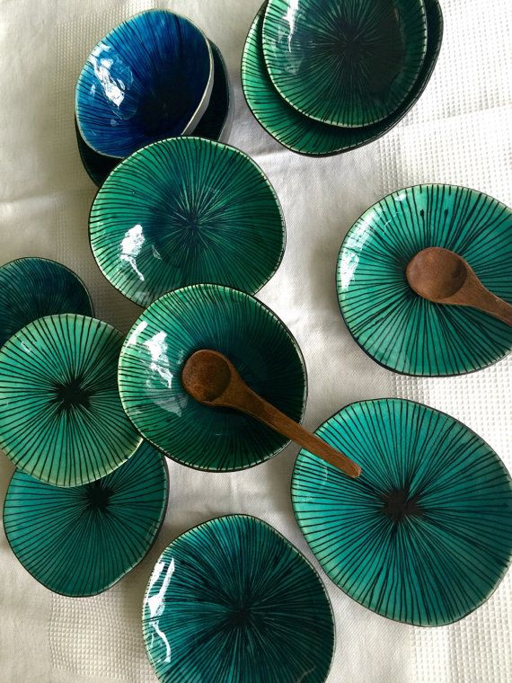 This cute little bowl is hand formed by me from white earthenware clay, decorated with hand painted fine lines in black, the inside is finished off in a glorious green crackle glaze. Use this bowl in the kitchen, as a jewellery holder or as a decorative object. All of my pieces are one of a kind, you can find slight imperfections in the bowls form and marks left by the handmade process. This is what make the piece unique, gives character and make it individual. The bowl is a irregular shape…