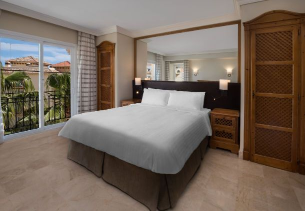 Marbella, Spain Beachfront Apartments | Marriott's Marbella Beach Resort